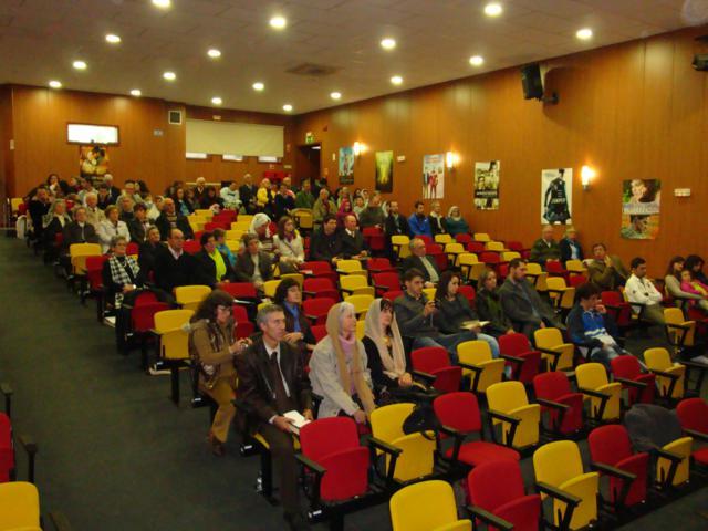 Esta a ver fotografias da seguinte categoria CULTO DE JOVENS 2011
